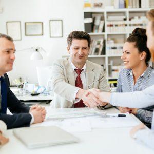 Umowa kupna sprzedaży – elementy i wzór. Skąd ją pobrać?